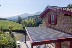 Pose de pergola dans une maison à Baigorri par Ehia