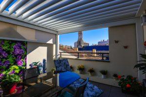 Pose de pergola dans une maison à Biarritz
