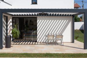 Terrasse avec Pergola Brustor par Ehia