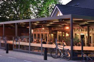 Bar avec pergola dans les Landes par Ehia
